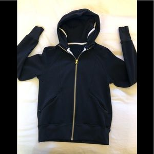 Lululemon zip up sz 6( black with gold zipper)